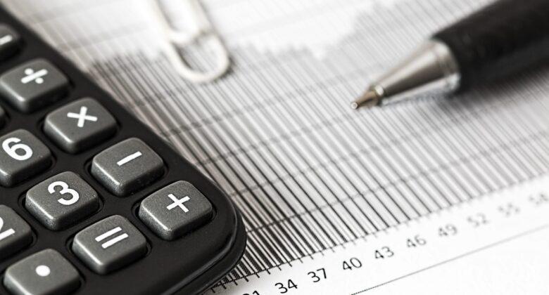 accounting analytics balance black and white 209224 steuer scaled 1